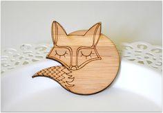 Broches animaux, Broche - Badge - renard - Bamboo est une création orginale de craftingkaschemme sur DaWanda