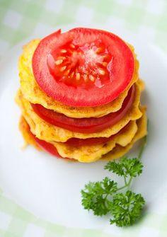 PIECZONE PLACUSZKI Z ŻÓŁTEJ CUKINII    Słoneczne placuszki z żółtej cukinii – be jajek, laktozy i glutenu.