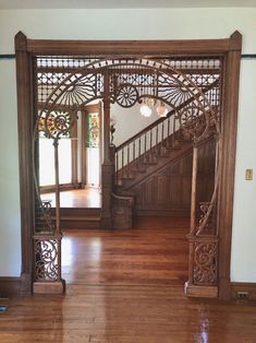Victorian Houses For Sale, Victorian House Interiors, Victorian House Plans, Old Victorian Homes, Victorian Decor, Victorian Stairs, Victorian Library, Modern Victorian, Victorian Architecture