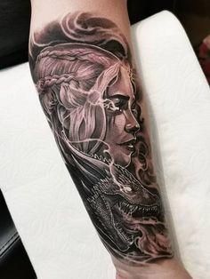Dark Daenerys Targaryen Game of Thrones (Aaron King) targaryen tattoo Game Of Thrones Tattoo, Tatouage Game Of Thrones, Tribal Tattoos, Tattoos Skull, Black Tattoos, Body Art Tattoos, Tattoo Ink, Heart Tattoos, Realism Tattoo