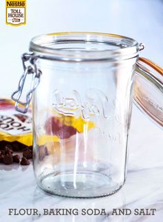 Chocolate Chip Cookie Mix in a Jar - Making your own chocolate chip cookie-mix gift is as easy as 1-2-3-4. Show your appreciation to a baker and fellow cookie lover this season with this adorable DIY gi