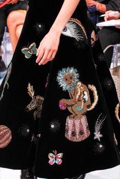 Schiaparelli, Alta Moda Autunno-Inverno 2016-17 #detail #creative #embroidery #aw17 #pfw