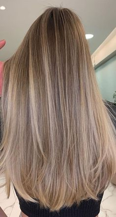 Brunette Hair With Highlights, Light Blonde Highlights, Dark Blonde Hair Color, Blonde Hair Shades, Dyed Blonde Hair, Honey Blonde Hair, Blonde Hair Looks, Brown Hair Balayage, Hair Color Balayage