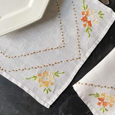 Vintage Orange Floral Embroidered Linen Set - Napkins and Runner – In The Vintage Kitchen Shop Straight Stitch, Breakfast In Bed, Hexagon Shape, Spring Green, Chain Stitch, Embroidered Flowers, Embroidery Stitches, Simple Designs, Napkins