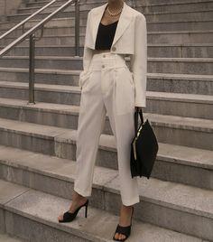 business attire tips Look Fashion, Korean Fashion, Fashion Outfits, Womens Fashion, Fashion Design, Classy Outfits, Cute Outfits, Work Outfits, Outfit Work