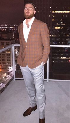 Catching Kelce, Wow Wee, Travis Kelce, Classy Suits, Woman Suit, Suit Fashion, Attractive Men, Man Crush, Suits For Women