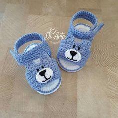 Crochet Baby Sandals, Crochet Baby Clothes, Crochet Shoes, Crochet Slippers, Diy Crochet Doll, Crochet Cap, Crochet For Boys, Finger Knitting, Baby Knitting