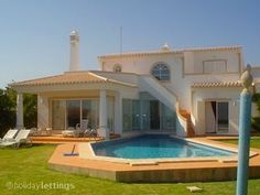 portugal - 8persons - 950e/per week in sept. - private pool - 4bedrooms - 100m to the beach