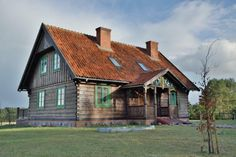 Polskie domy: drewniane Log Homes Exterior, Exterior Design, Dream House Plans, My Dream Home, Historical Architecture, Architecture Design, European House, Wooden House, House In The Woods