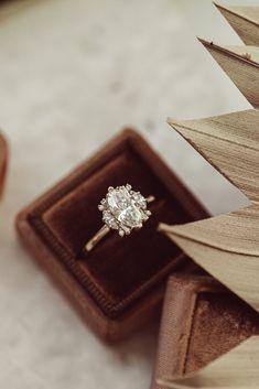 Wedding Goals, Casual Wedding, Fall Wedding, Dream Wedding, Wedding Shit, Unique Diamond Engagement Rings, Dream Engagement Rings, Wedding Engagement, Marquise Ring