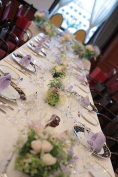 昨日、掲載したブーケの如水会館様、 そのゲストテーブル装花です。  今朝、花嫁様からお礼のメールをいただきました。   「おはようござい...