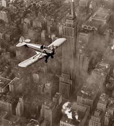 Flight over Manhattan, 1937 (NY Times photo) it still amazes me that they had tall buildings back then...