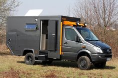 Bocklet Dakar based on Mercedes Sprinter 519 CDI. The camper is GRP sandwich construction with thick walls and roof, floor. Truck Cap Camper, 4x4 Camper Van, Camper Caravan, Camper Trailers, Offroad Camper, Mercedes Sprinter Camper, Sprinter Van, Iveco 4x4, Caravan Salon