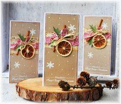 Kartki świąteczne z pomarańczką i cynamonem robię już 6 rok z rzędu :)Co roku cieszą się nieodmiennym zainteresowaniem.W tym sezonie, również nie mogło ich zabraknąć :) Moje kultowe już, karteczki :)