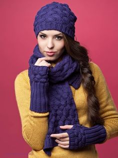 Классическая шапочка спицами плетеным узором