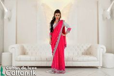 A toutes les admiratrices des caftans de haute gamme , on vous présente une magnifique caftan Sari indien de haute couture de tissu très noble et léger satin de soie rose royal est unique..