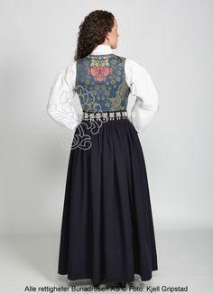 Nordmørsbunad til dame - BunadRosen AS Bergen, Folklore, Norway, Tulle, Vest, Costumes, Inspiration, Dresses, Fashion
