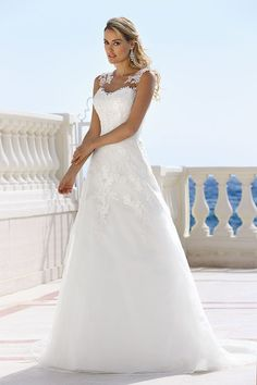 Explore the extensive collection of wedding dresses by Ladybird Bridal online. Affordable, stylish wedding dresses with the perfect fit for any figure. Bridal Wedding Dresses, Wedding Dress Styles, Dream Wedding Dresses, Designer Wedding Dresses, Bridesmaid Dresses, Tulle Wedding, Pretty Dresses, Beautiful Dresses, The Dress