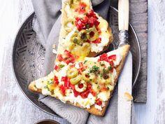 Toast mit Ricotta und Paprika |