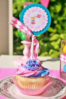 {Styled Shoot} Mad Hatter Inspired Garden Tea Party