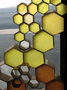 "DIY Bee hive window display from Anthropologie. Wax paper in ""combs"" of cardboard. Cardboard Sculpture, Cardboard Crafts, Paper Crafts, Cardboard Paper, Wax Paper, Paper Art, Tissue Paper, Deco Cafe, Church Stage Design"