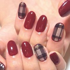 Fall nails in bordeaux red and checkered patterns
