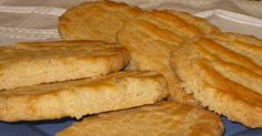 """Una pasada!!! Las recomiendo encarecidamente. Tomé esta receta del blog """"i-recetas, Se me va la olla"""". Prometía cuando decía que recordab... Coconut Cookies, Yummy Cookies, Cake Recipes, Dessert Recipes, Desserts, Mexican Sweet Breads, Mantecaditos, Pan Dulce, Bread Machine Recipes"""
