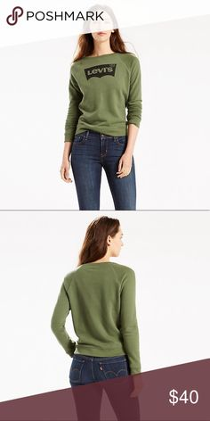"""Levi's Green Logo Sweatshirt Women's classic sweatshirt from Levis. Crafted from an ultra-soft cotton fleece blend and cut with subtle waist definition, the sweater comprises a crew neckline, long sleeves and a straight hem, Featuring ribbed trims, the pullover is complete with the signature Levis logo printed to the chest.  60% Cotton, 40% Cotton  Model is 175cm/5'9"""" and wears a size S. Levi's Sweaters Crew & Scoop Necks"""