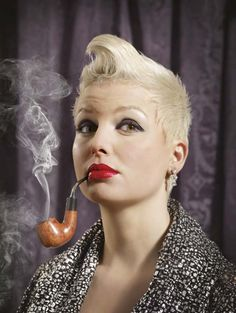 Women pipe Smokers | Why aren't there more female pipe smokers around I hear you ask ...