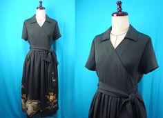 Etsy のBlack kimono wrap dress, short-sleeved, embroidery done with a gold thread - used kimono of vintage silk(ショップ名:PriscillaTokyo)