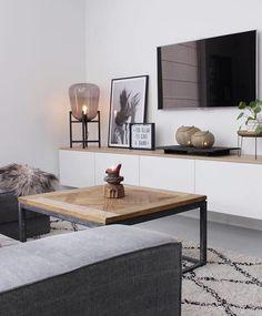Inspirierende moderne Wohnzimmerideen, die immer in der Art sein werden inspiring modern living room ideas that will always be in style . Inspiring modern living room ideas that are always in style room Ikea Living Room, Living Room Modern, Home And Living, Ikea Bedroom, Tv Living Rooms, Bedroom Furniture, Small Apartment Living, Tv Furniture, Modern Wall