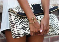 black white snake clutch
