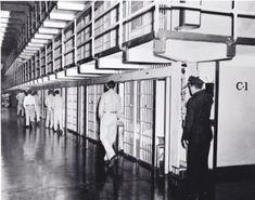 Ze mochten daar niets. Het leek meer op een gevangenis. De meisjes hadden geen rechten meer, ze werden misbruikt. De therapie die ze daar kregen was ondoeltreffend en zelfs zeer schadelijk.