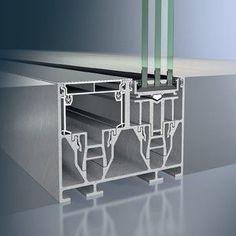 Fast rahmenloses Aluminium-Schiebetürsystem, Schüco ASS 77 PD. Verschiedene Systemvarianten in ausgezeichnetem Design stehen zur Verfügung. Bietet maximale Transparenz und freien Blick nach außen. Geeignet für große Terrassen und Balkonverglasungen, aber auch für den Innenraum.
