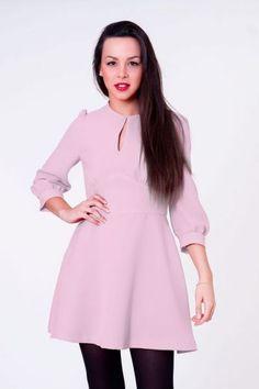 Vestido de vuelo rosa palo  #invitadasboda #vestidoscortos #vestidosfiesta #nochevieja http://www.apparentia.com/mujer/vestidos/cortos/ficha/1595/vestido-vuelo-rosa-palo/