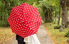 Hochzeitsfotos im Regen - http://www.itsyourday.at/hochzeitsfotos-im-regen/