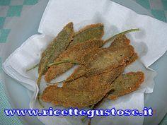 Ottimi questi stuzzichini con foglie di salvia panate e fritte.. Stuzzichini alla salvia, foglie di salvia panate e fritte..  http://www.ricettegustose.it/Antipasti_vari_html/Stuzzichini_alla_salvia.html