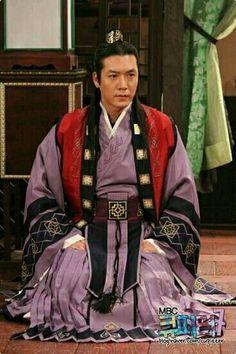 Korean Traditional, Traditional Clothes, Hyun Jae, Korean Dress, Beautiful Costumes, Dramas, Chinese, Daughter, Saree