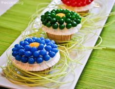 Jelly bean flower cupcakes -> TOO cute!! From The Cake Blog via @Kim -  The TomKat Studio