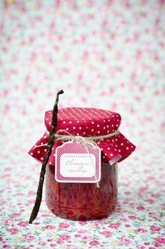 A little jar of homemade jam Wedding Favours, Party Favors, Chutney, Bonbonniere Ideas, Country Jam, Jar Of Jam, Jam Tarts, Tapas, Jelly Jars