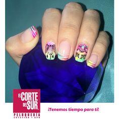 #Manicure  ¡Colores y diseños hermosos para tus manos!  #Tendencias en color y decoración para tus uñas en nuestras tres sedes.  Visitanos, ¡Tenemos tiempo para ti!