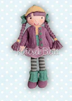 Muffinka - zabawka wykonana ręcznie na szydełku. Lalka ubrana jest w sukienkę, sweterek, czapeczkę, getry oraz szydełkowane buciki. ...