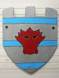 Ridderschild van hout ''Rode draak''