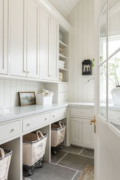 Inspiration Design, Home Decor Inspiration, Decor Ideas, Mug Design, Laundry Room Design, Laundry Rooms, Mud Rooms, Laundry Closet, Laundry Cart