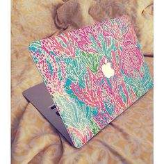 Show off your beloved Macbook in your favorite Lilly print! Perfect for back to school, special gift for friend or relative, or just for you! Lily Cole, Lilly Pulitzer, Macbook Case, Macbook Skin, Macbook Pro, Preppy Style, My Style, Preppy Outfits, Estilo Preppy
