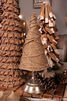 Twine Christmas tree - 14 Amazing DIY Rustic Christmas Decorations