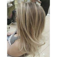 #balayage #balayageombre #hairstyle #hairpost #hairpainting #yourafter #balayfoil #balayagehighlights #babylights #balayagehair #modernsalon #behindthechair #iamlorealpro #lorealpro #olaplex #yourspacesalons @yourspace_salons @lorealprocanada @lorealpro @olaplex @1000orbust @hairdressers.of.insta #freehandpainting #nofilter #hairpost #hairbyme