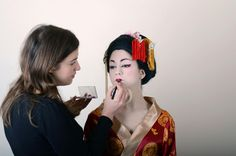 Maquillando a una Geisha? Geisha, Make Up, Reading, Books, Fashion, Tips And Tricks, Beauty, Getting To Know, Tools