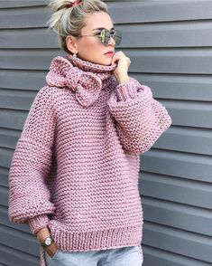 Boho Knit Pink Sweater Chunky sweater, turtlenwck sweater, bohemian style knit fashion Always wanted to learn how to knit, nonetheless not cert. Gilet Crochet, Knit Crochet, Crochet Cardigan, Free Crochet, Knitting Patterns, Crochet Patterns, Cardigan Pattern, Knit Fashion, Girl Fashion