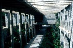IIM walkway, B Doshi